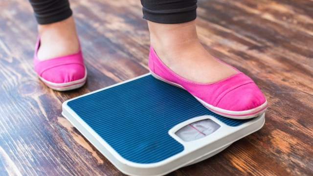 5 Tips for Losing Weight While Stuck at Home